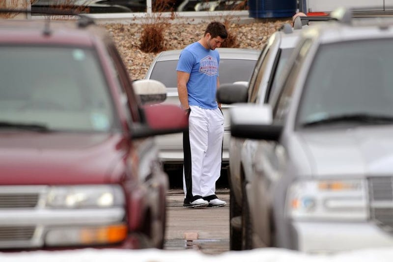 Sad Tebow In A Parking Lot Is The New Tebowing