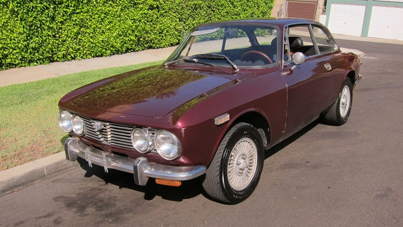 1974 Alfa Romeo 2000 GT Veloce: The Jalopnik Classic Review