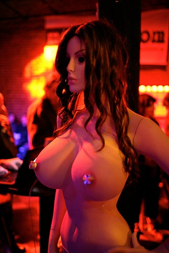 Moaning Lisa Has Seven Spots That Get Her Hot (Plus NSFW Gallery)