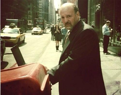 Jim Cramer Sets Up Shop on Manhattan Street Corner