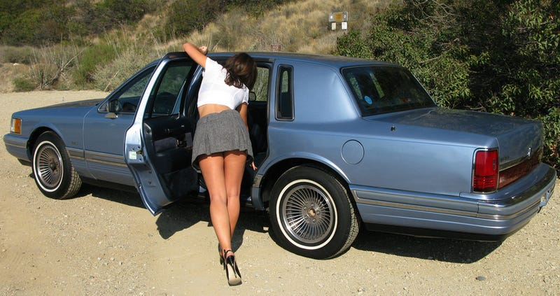 How To Use Half-Naked Women To Sell A 1990 Lincoln Town Car