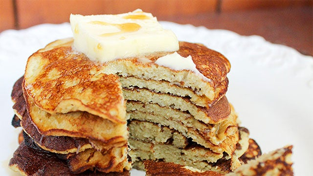 Make Two-Ingredient Banana Pancakes for a Fun and Easy Breakfast