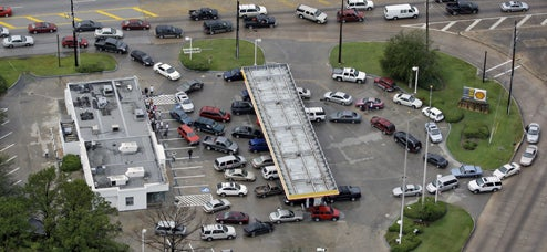 Gas Lines Forming In Houston After Ike, Prius Drivers No Longer Target of Ridicule