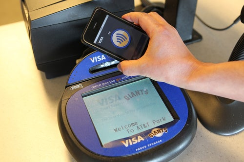 In2Pay iPhone Case: Anywhere Visa payWave Is Accepted
