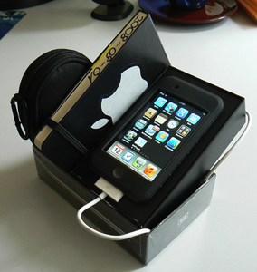 DIY iPod Touch Dock and Moleskine Stand
