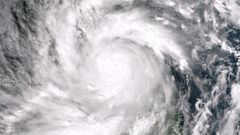 Estimated 1200 Presumed Dead as Typhoon Rips Through The Philippines