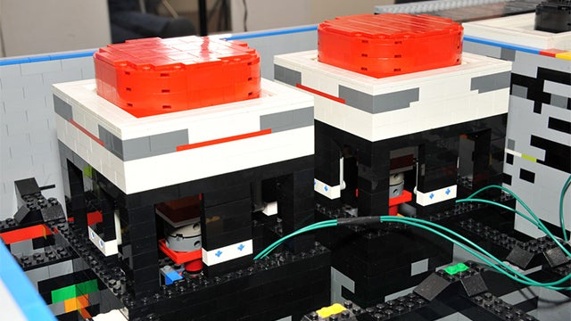 Awesome 5-foot Lego Nintendo Gamepad Works Just Like the Real One