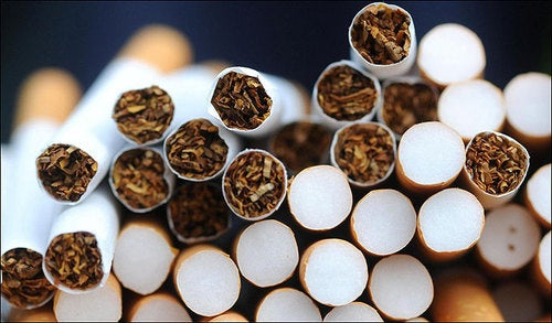 Smoking cigarettes damages 323 different human genes