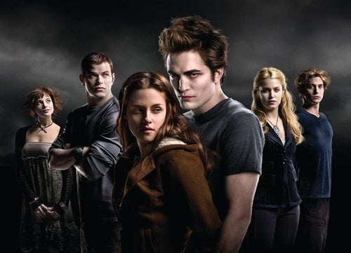 Woman Sues Movie Theater After Being Arrested For Recording Twilight