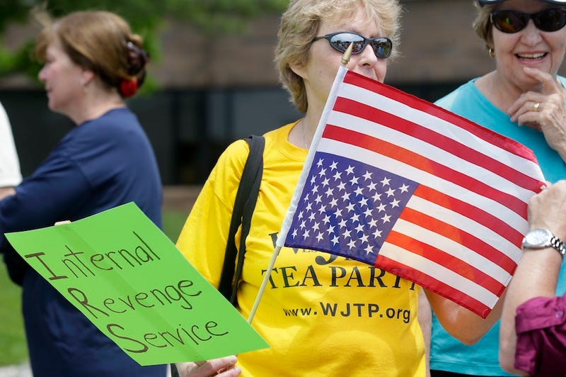 """Dozens"" of Tea Party Patriots Protest IRS Offices Nationwide"