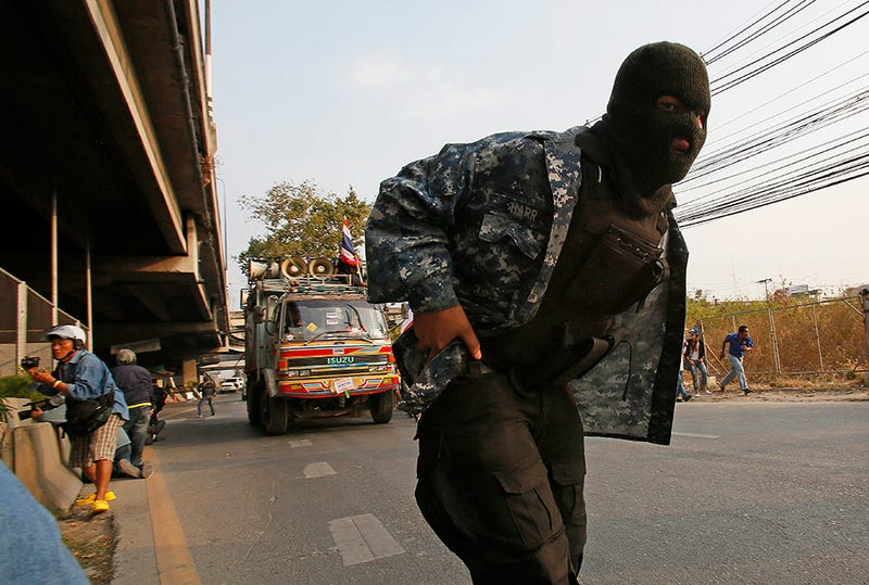 7 Injured As Thai Protestors Fight To Overthrow Government