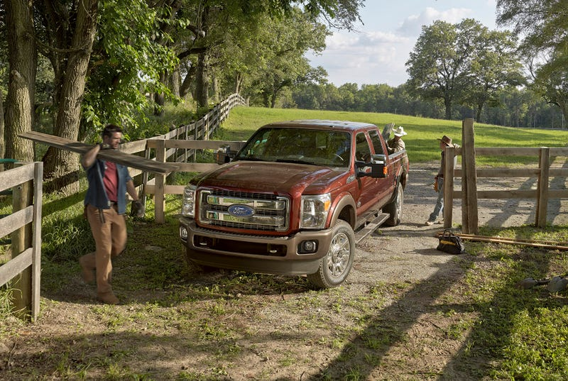 The 2015 Ford F-450 Gets Revamped For Your Hauling Pleasure