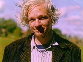 Wikileaks Founder's Molestation Police Report Leaked: His Top-Secret Moves Revealed