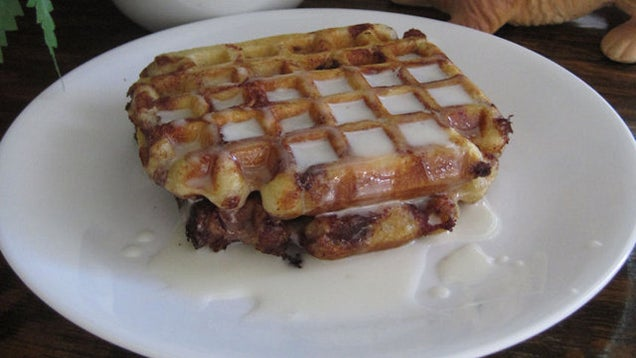 Cinnamon Roll Waffles with Cream Cheese Syrup | Lady Behind the ...