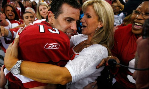 Everybody Loves Kurt Warner...Except One Former California Pizza Kitchen Employee