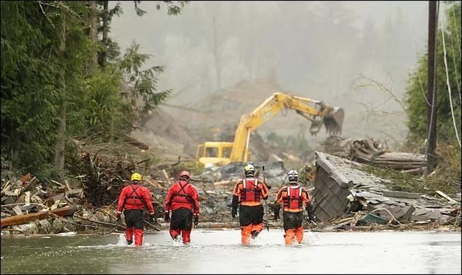Oso mudslide rescuers aren't giving up