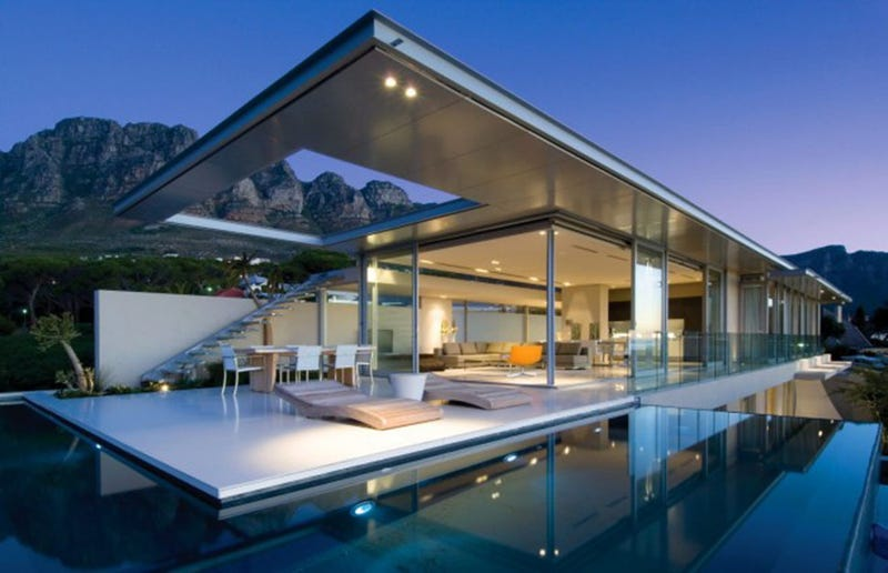 No Home Is an Island (But Here's a South African Home That Looks Like One)