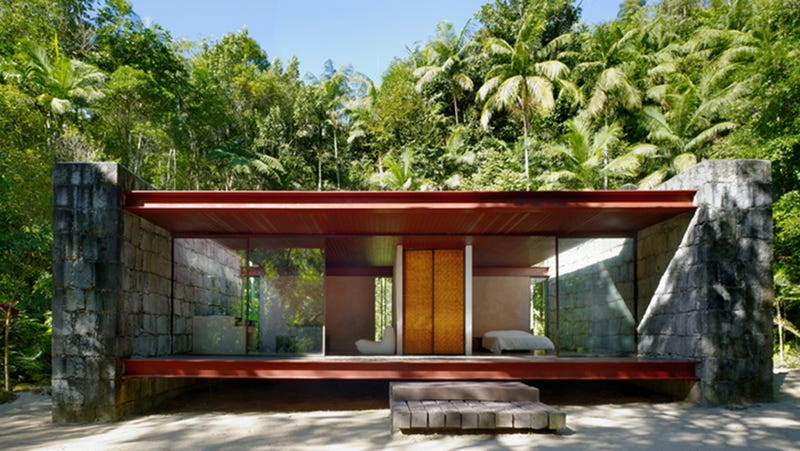 The Rio Bonito House Fully Lives Up To Its Name