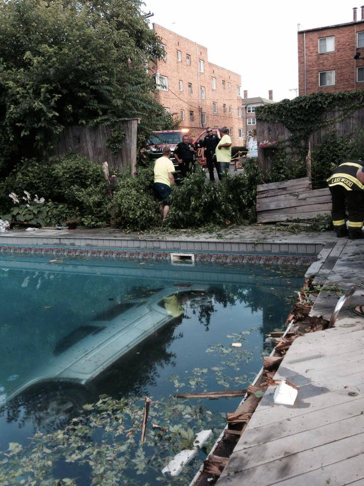Hard-Core Party Crasher Plows Jeep Through Fence, Into Pool