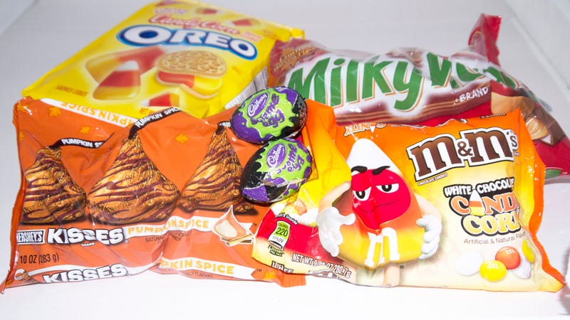 Candy Corn Oreos and Pumpkin Spice Kisses: It's the Snacktaku Halloween Variety Spooktacular!