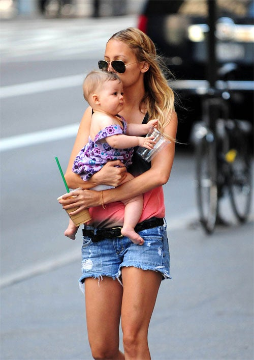 Nicole Richie & Harlow: A Barista Stole The Baby's Bottle