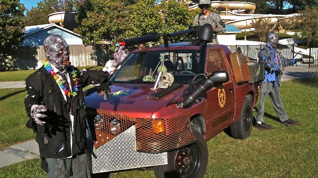 Get ready for the fake zombie apocalypse with this 1994 Isuzu Amigo