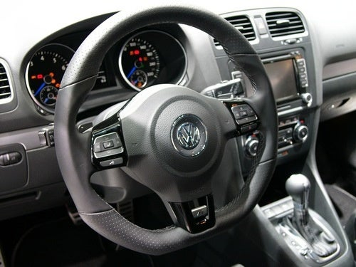 2010 Volkswagen Golf R: Live Photos