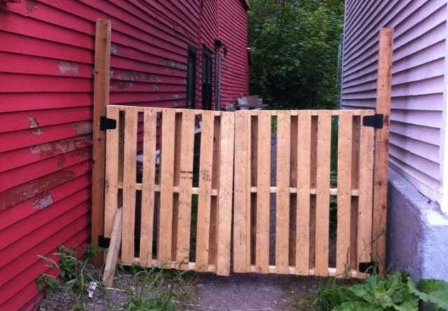 Challenge Winner: Build a Simple Gate From a Wooden Pallet