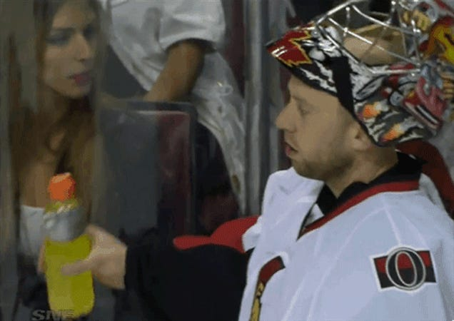 Senators Goalie Disgusts Woman With His Gatorade Drinking
