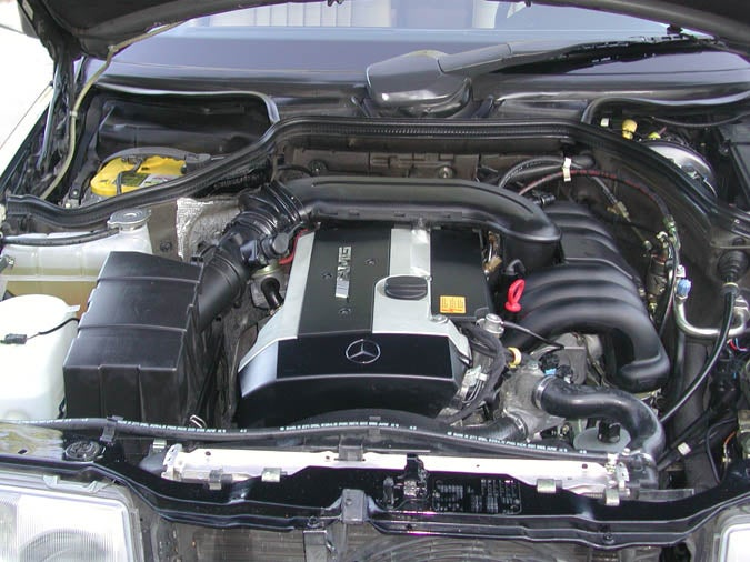 Mercedes Might Bring Back Their Glorious Inline 6 Engines