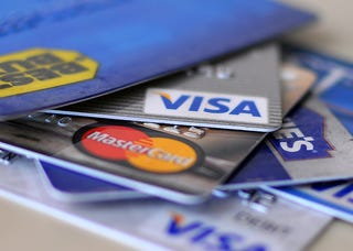 Visa payWave Cases To Turn iPhones Into Credit Cards