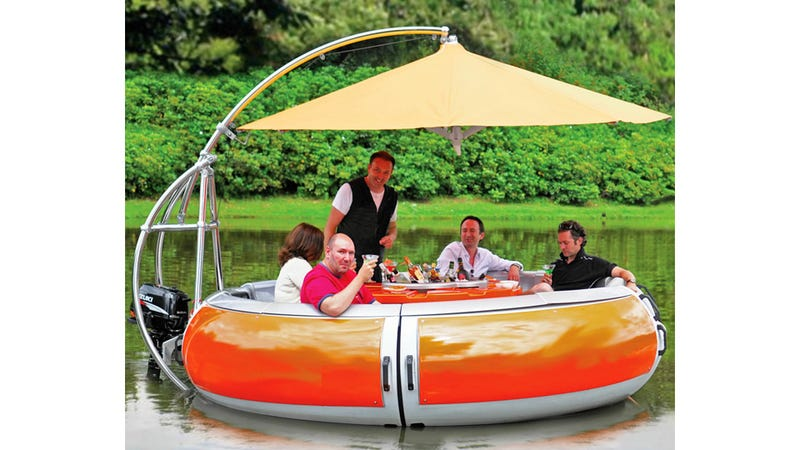 Floating Barbecue Grill Promises the Freshest Shrimp on the Barbie