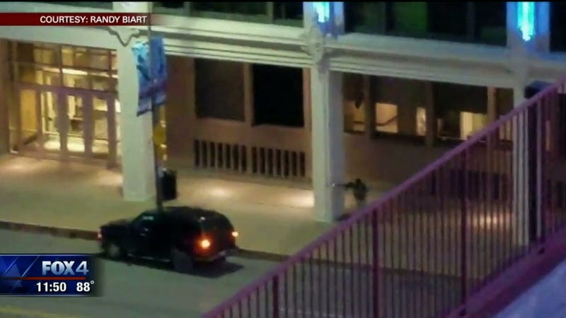 Video Appears to Show Dallas Gunman Shooting Officer at Close Range