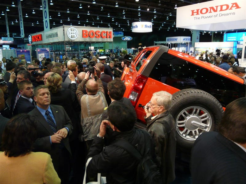 """""""100 MPG"""" Electric Hummer H3 Doesn't Actually Get 100 MPG"""