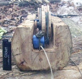 DIY Wooden Cellphone Charger Used By Chechen Soldiers