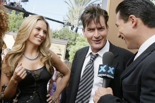 Charlie Sheen's Wife Wants to Drop Restraining Order Because 'Love' Is a Crazy, Terrible Thing