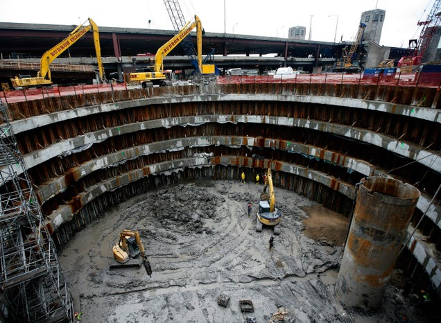 No One Knows What to Do With This 76-Foot-Deep Hole in Chicago