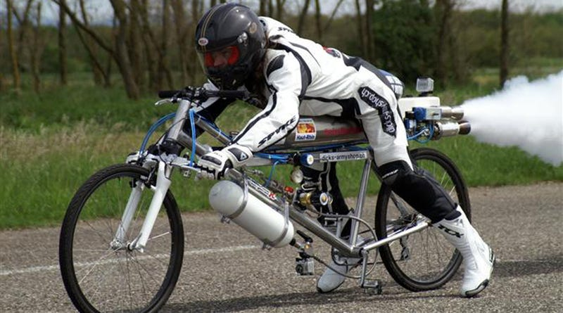 This 163 MPH Rocket Bike Just Set a Land Speed Record