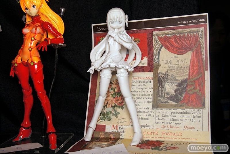 A Treasure Trove of Plastic Fantasy