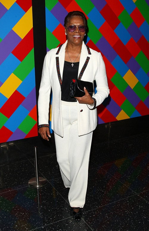 Arty Types Party On With Socialites, Dionne Warwick