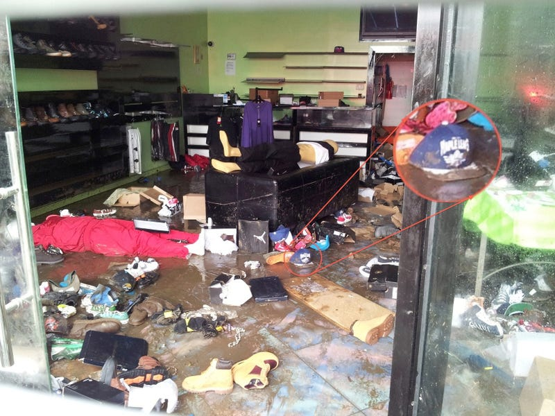 Even Hurricane Sandy Looters Wouldn't Steal A Maple Leafs Cap