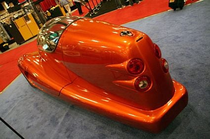"Sleek FuelVapor Technologies Car ""alé"" pulls 1.7g Turns and Gets 92mpg"