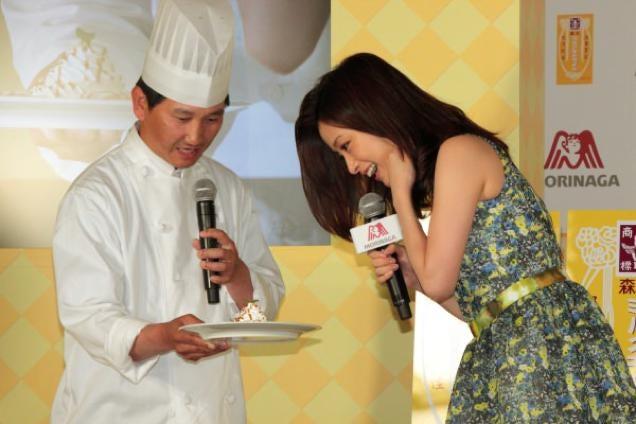 Caramel Banana Sushi Exists in Japan