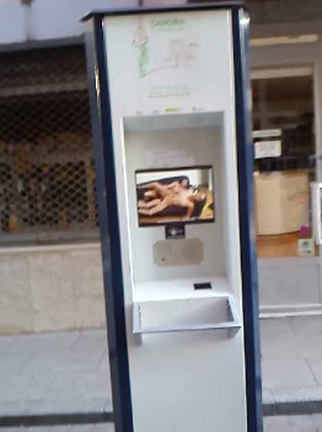 Hacked Public Bicycle Kiosk Shows Porn Movie, Extra Benefits of Public Transport