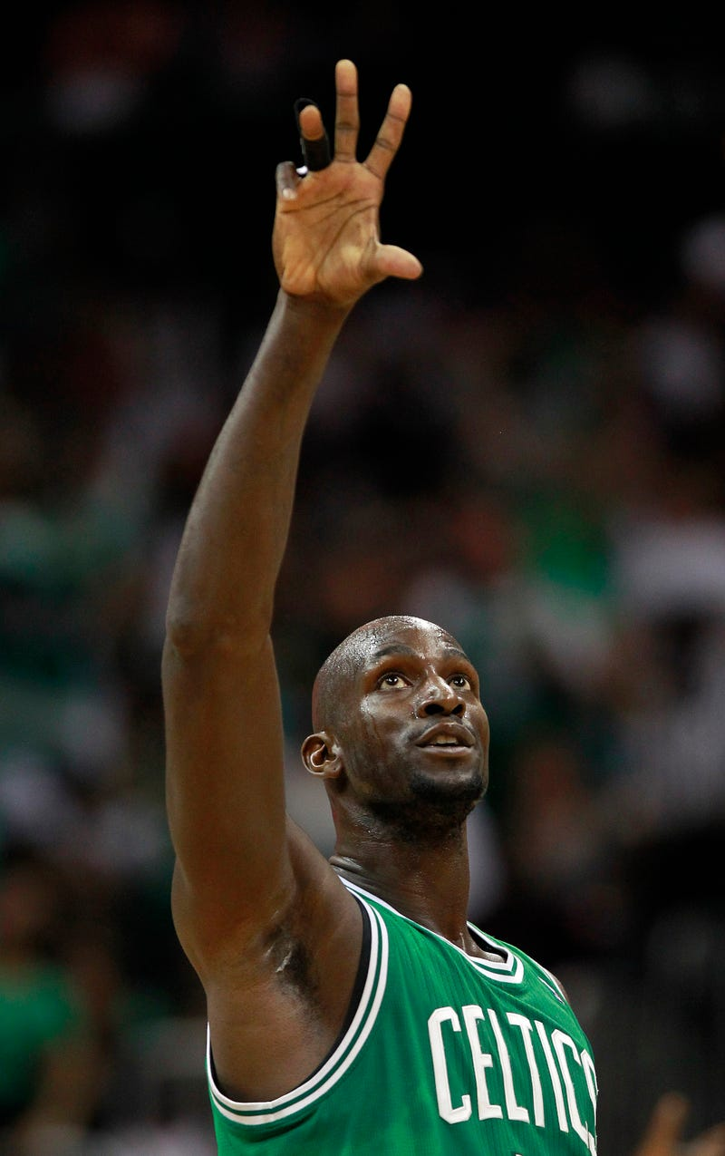 "KG: ""Philly Fans Are Fair-Weather."" Inquirer Writer: ""Oh Yeah? Boston's Racist!"""