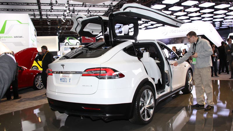 The Tesla Model X Is The Only Car In Detroit That Really Feels Like It's From The Future