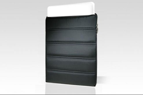 Furryrobo: Sleeping Bags For the Macbook Air and Eee PC