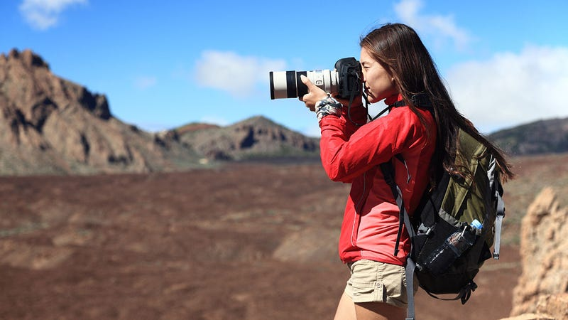 How Can I Safely Travel with My DSLR Camera and Photography Gear?