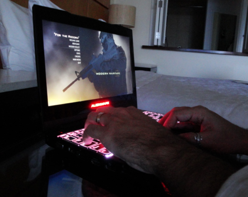 Alienware M11x Review: Ultraportable Gaming