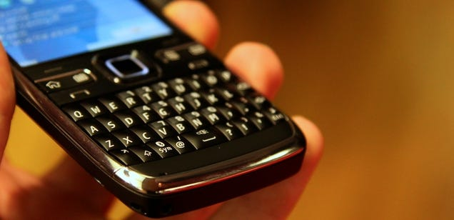 Nokia E72 Hands On: Like E71, But More Better